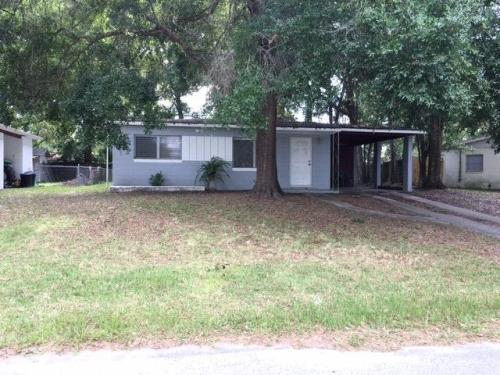 21408 Campbell Drive Photo 1