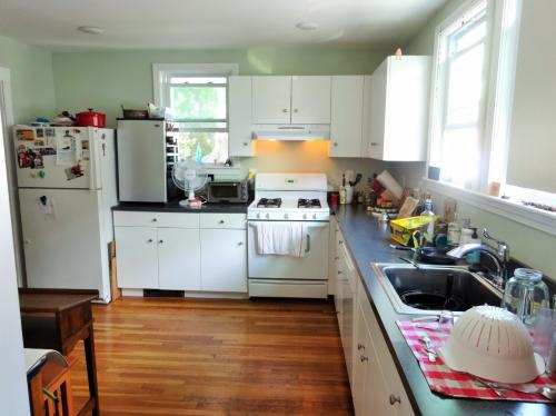 Beautiful Belmont 2 Bed+ Available 8/1 1 Photo 1
