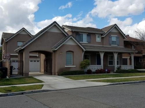 7504 Kenwood Place Photo 1