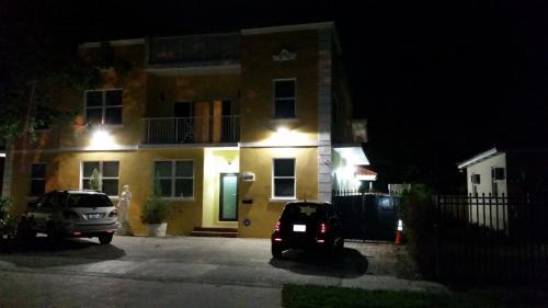 3340 SW 29th Street Photo 1