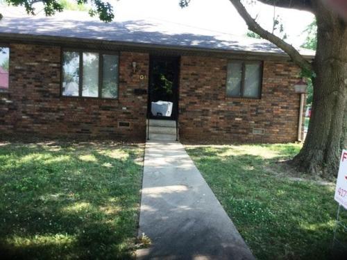 203 E Scott Street Photo 1