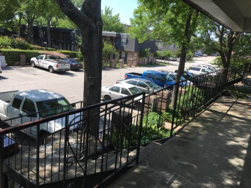 9021 Gaylord Drive Photo 1