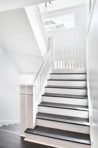 787 Myrtle Street NE Upstairs #2 Photo 1