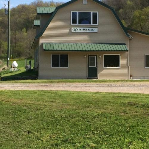 598 E Kickapoo St Photo 1