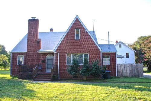 641 Bellwood Road Photo 1