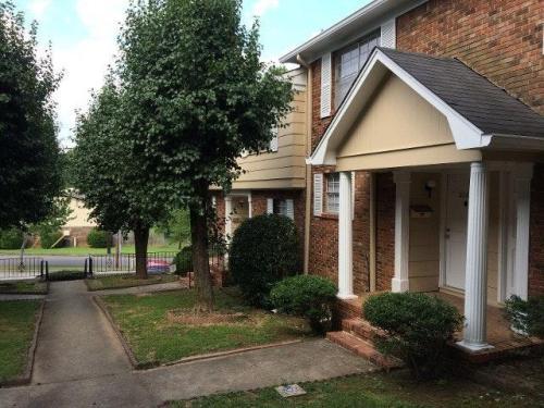 2262 Chapel Hill Road Photo 1