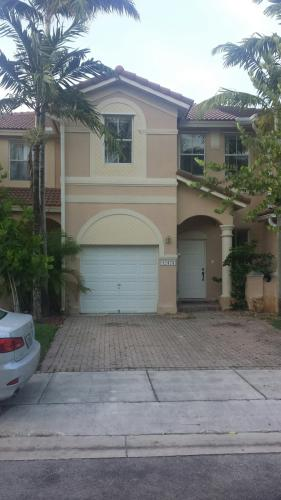 12479 SW 123rd Ter Photo 1