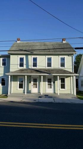 363 E King Street Photo 1