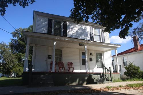 416 1/2 S Saratoga Street Photo 1