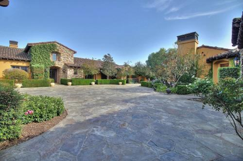 Lions Peak Lane Cordevalle Vineyard Estates Photo 1