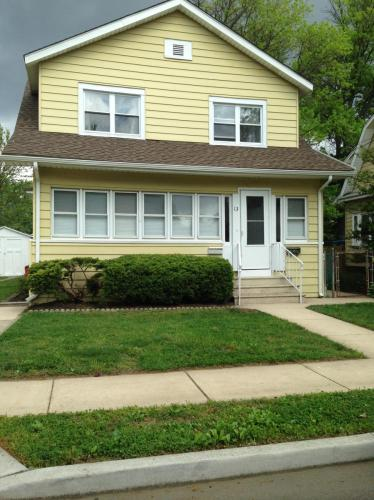 E Greenwood Avenue Photo 1