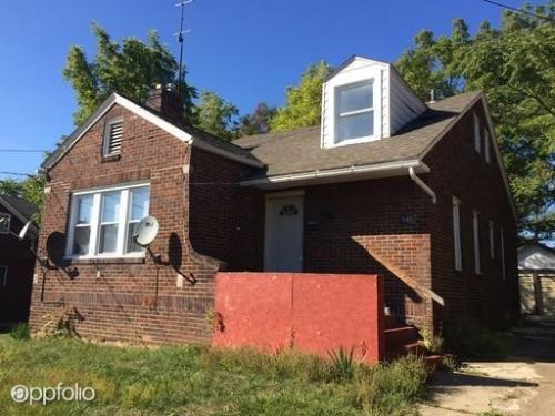 548 W Ravenwood Ave Photo 1