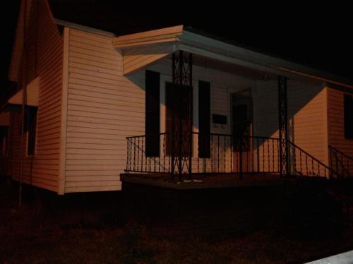 231 Oak Street Photo 1