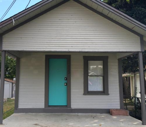 122 Goodwin Avenue Photo 1