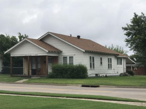 2401 N Union Avenue Photo 1