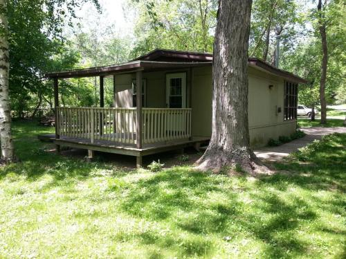 9946 W Lake Road #CABIN 4 Photo 1