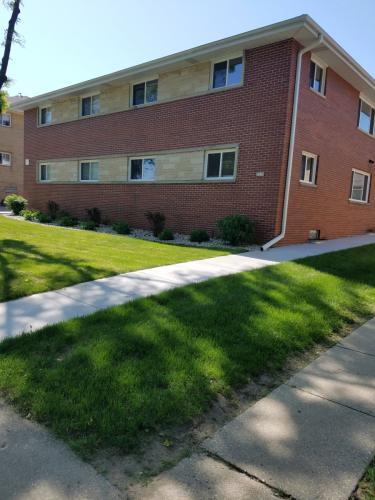 3029 E Adams Avenue Photo 1