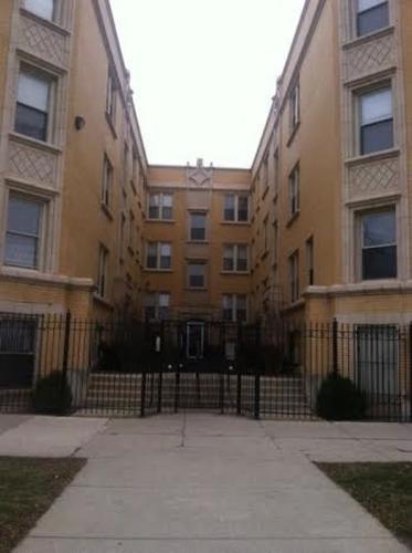 5554 W North Avenue Photo 1