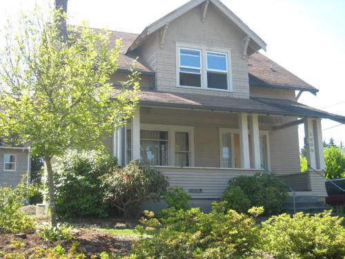 1706 N Alder Street Photo 1