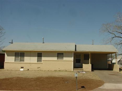 2320 NW 38th Pl Photo 1