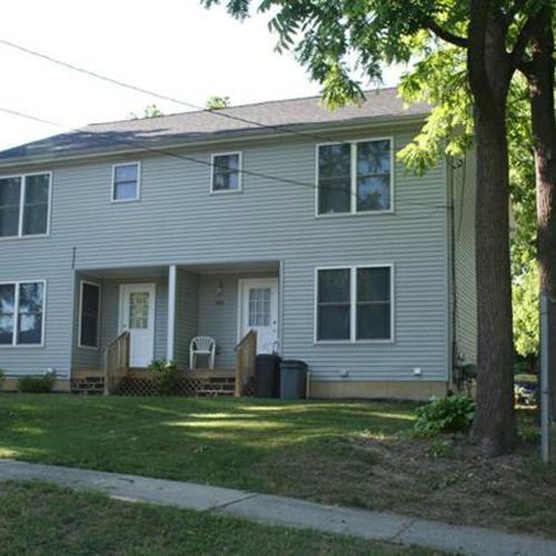 420 W Oak Street Photo 1