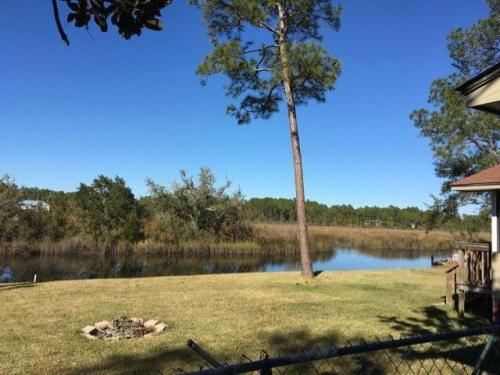2229 E Simmons Bayou Drive Photo 1