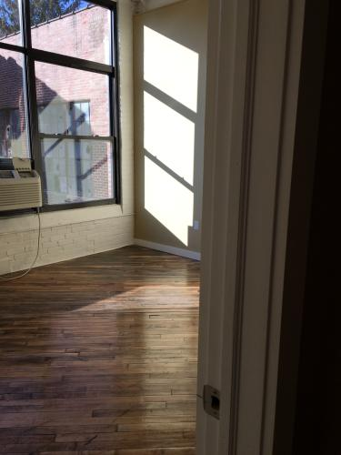 98 S Whitfield Street #1ST FLOOR Photo 1