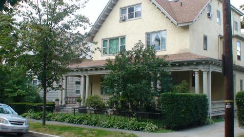 605 Clay Avenue Photo 1