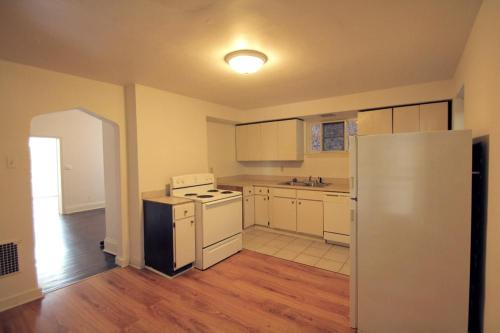 302 S Trenton Avenue Photo 1