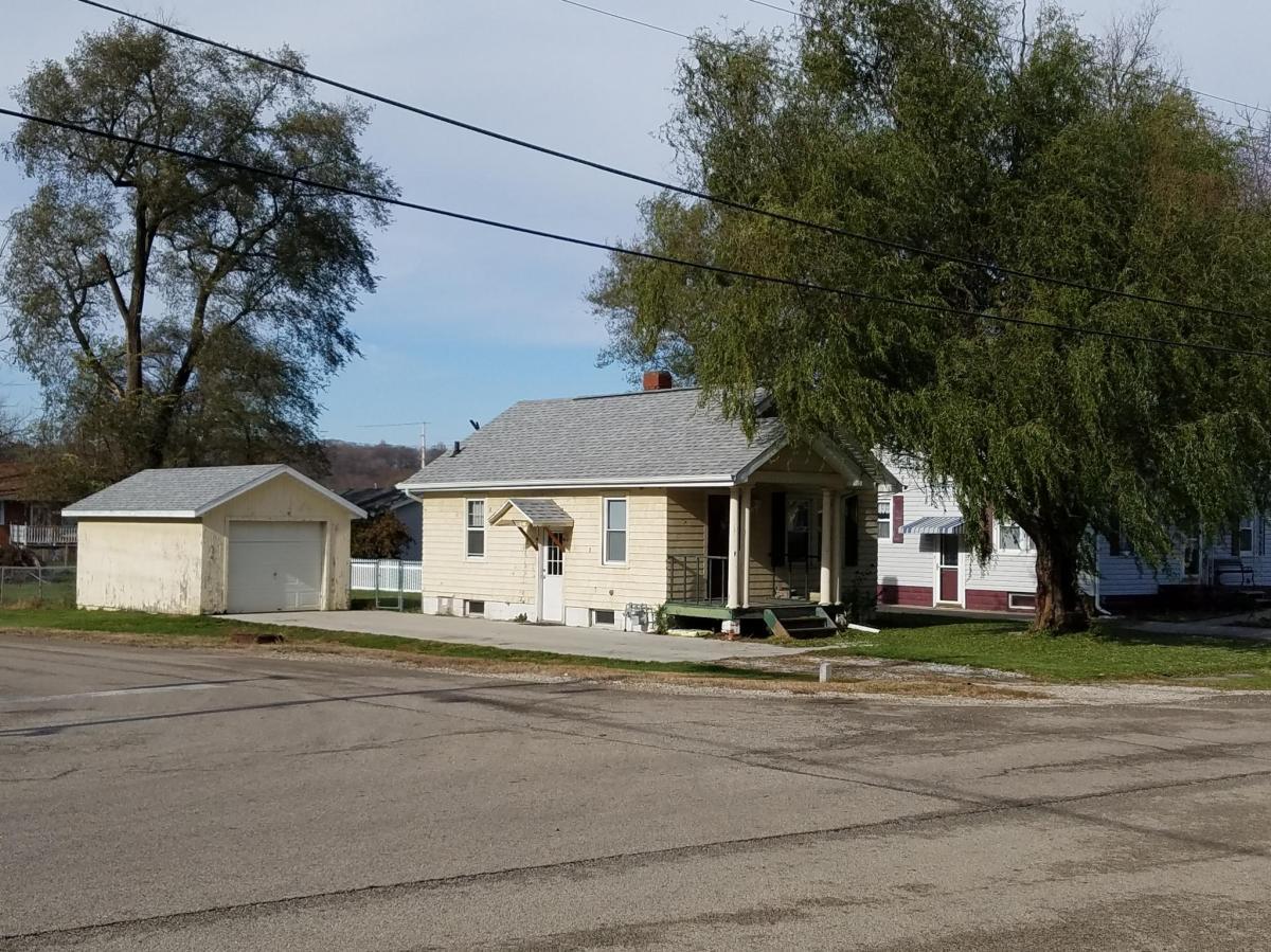 103 Catherine Street Apt House East Peoria Il 61611 Hotpads