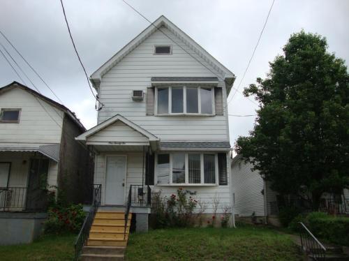 126 W Hartford Street Photo 1