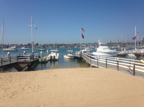1322 E Balboa Boulevard Photo 1