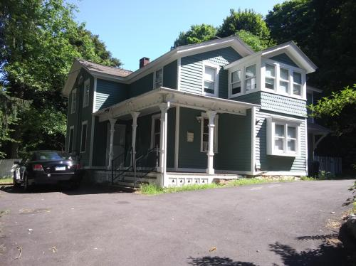 135 Platt Street #MAIN HOUSE Photo 1