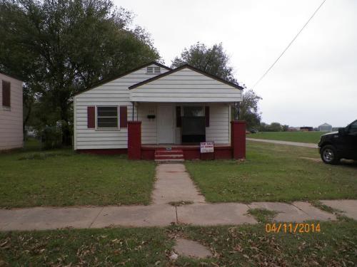 529 N Elm Street Photo 1