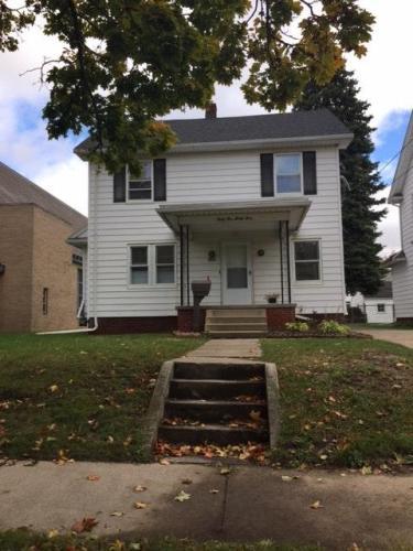 4534 N Lockwood Avenue Photo 1