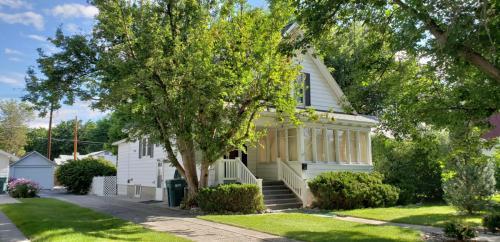 325 Lewis Avenue Photo 1