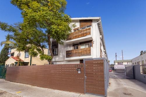 apartment unit 202 at 6123 eleanor avenue hollywood ca 90038