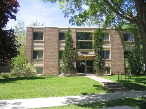 4330 Minnehaha Avenue Photo 1