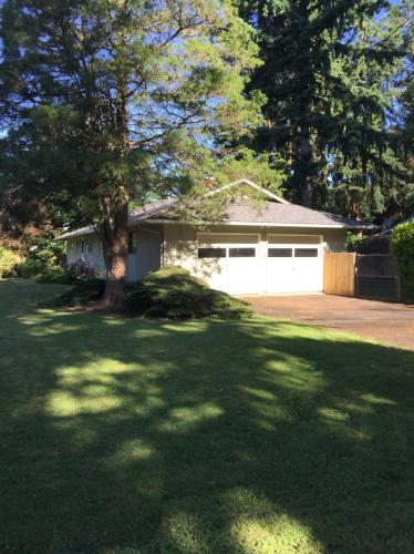 5083 Jean Road Photo 1