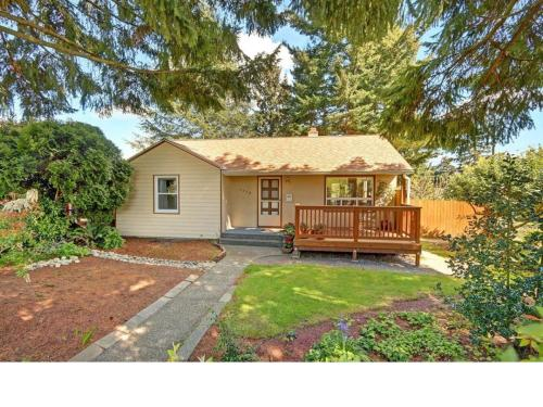 7358 29th Avenue SW W Monthly Yard Service Photo 1
