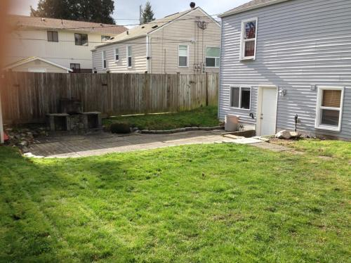 14624 11th Avenue SW #LOWER LEVEL Photo 1