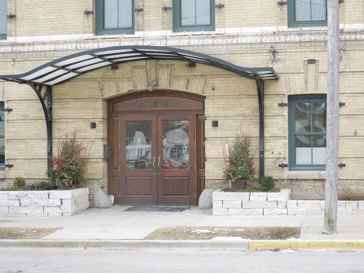 Exterior 1818 N Water Street 504