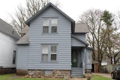 1016 Oak Street Photo 1