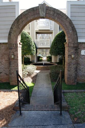 5011 Sharon Road Photo 1