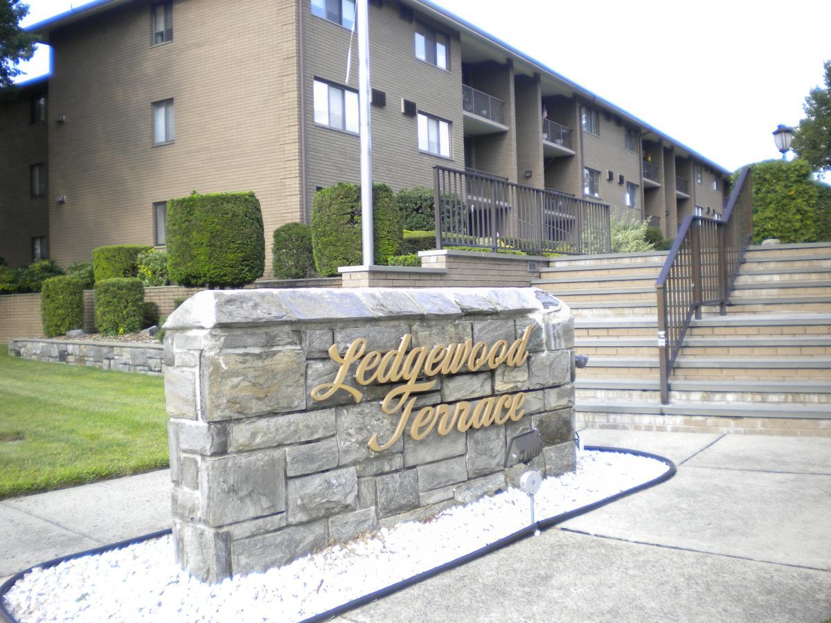 apartment unit ledgewood at 460 liberty street, little ferry, nj