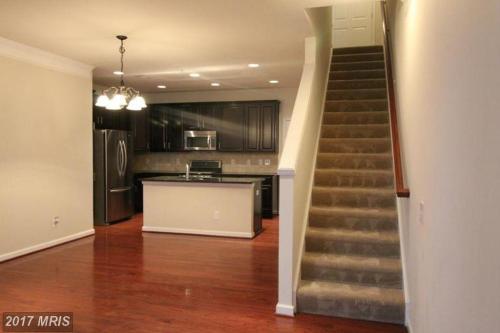 42786 Lauder Terrace Photo 1