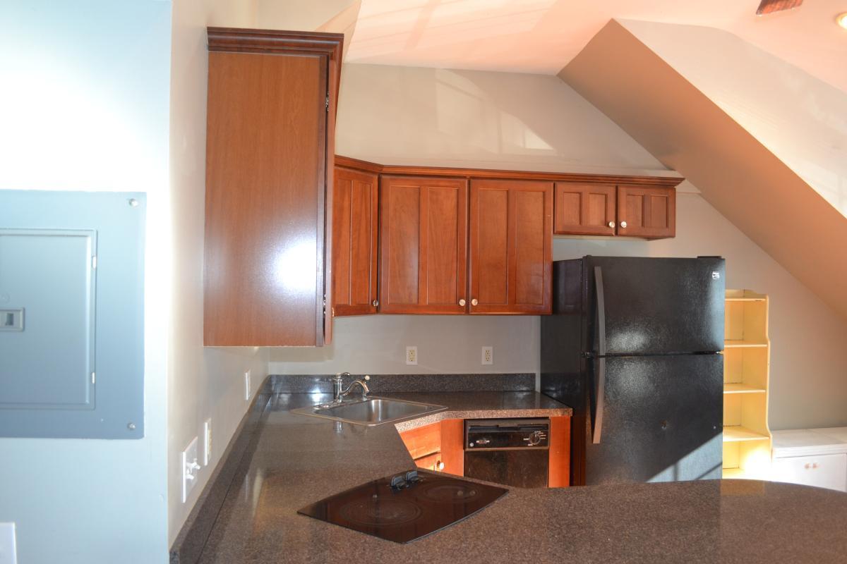 Kitchen cabinets - 65 Westchester Avenue #A