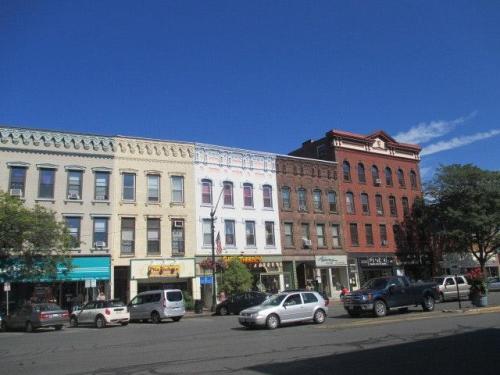195 Main Street Photo 1