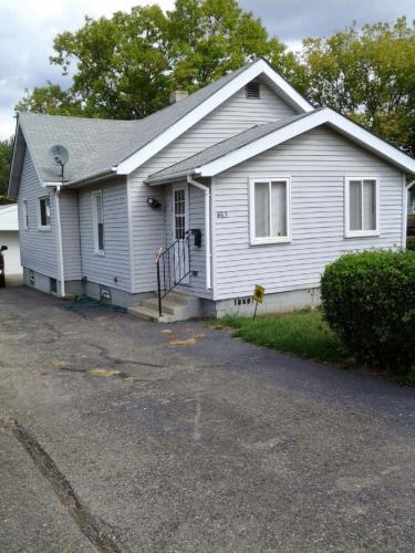 463 Raeburn Street Photo 1