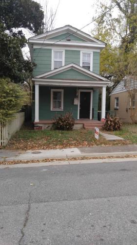 1005 Maplewood Avenue Photo 1